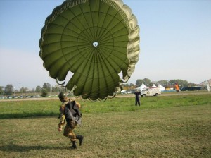 Paracadute Tondo Paracadutisti Caserta