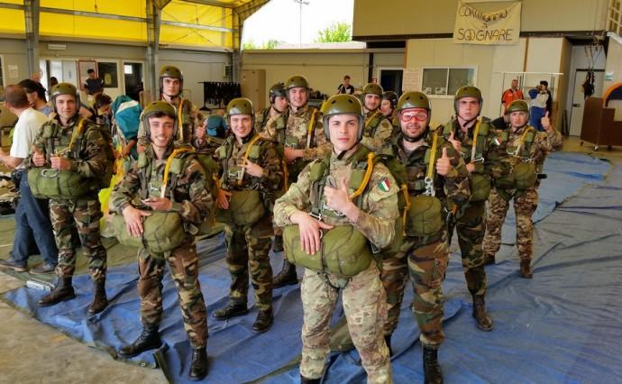Dieci nuovi Paracadutisti