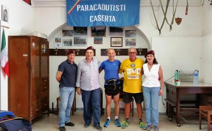 L'alpino paracadutista Alessandro Bellière ha incontrato i parà casertani